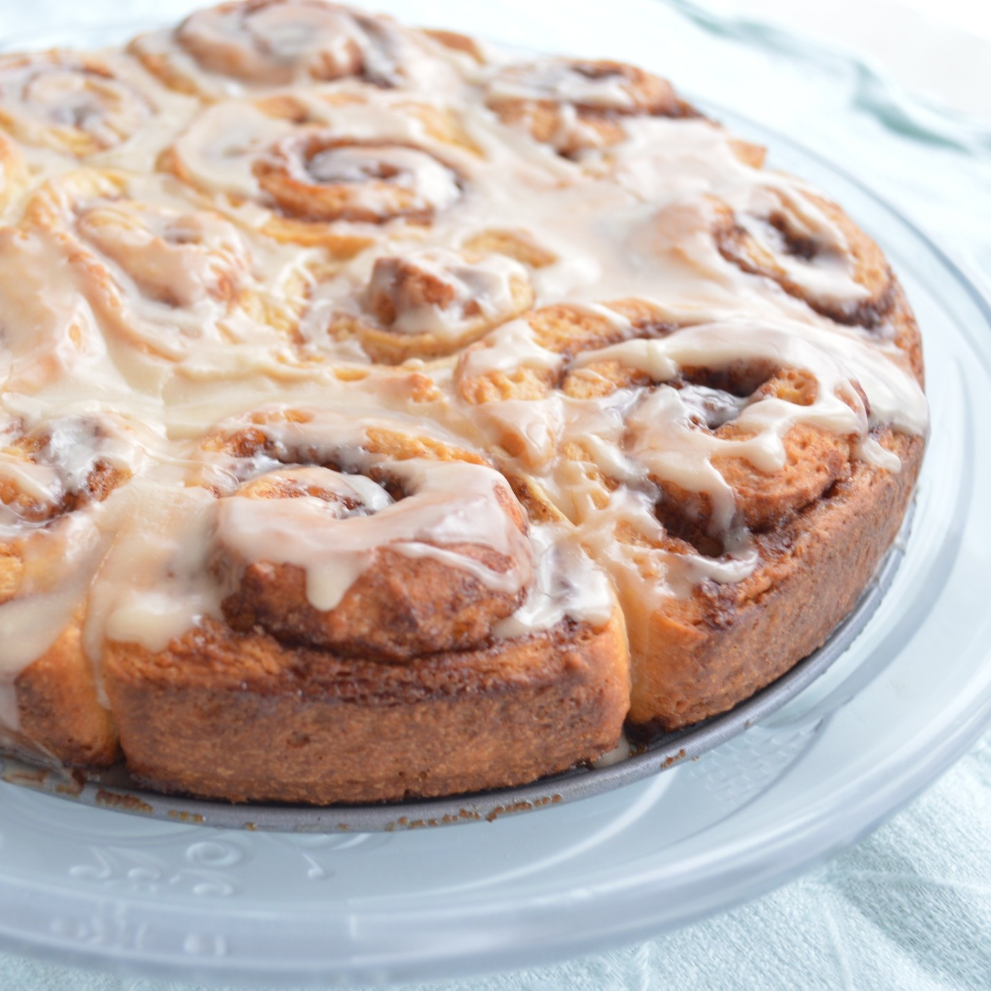 cinnamon-rolls-with-coffee-glaze