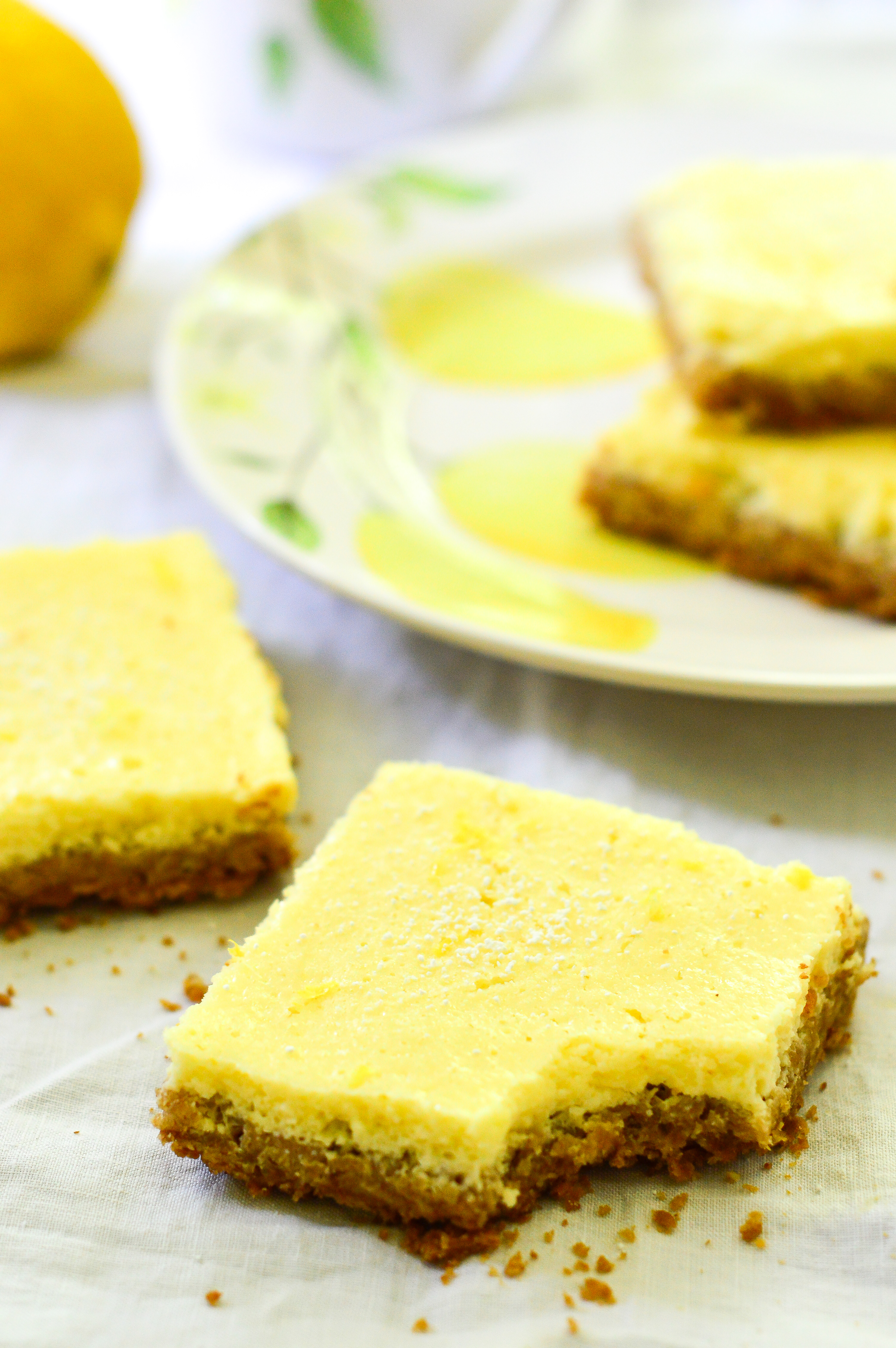 Lite Lemon Bars-10