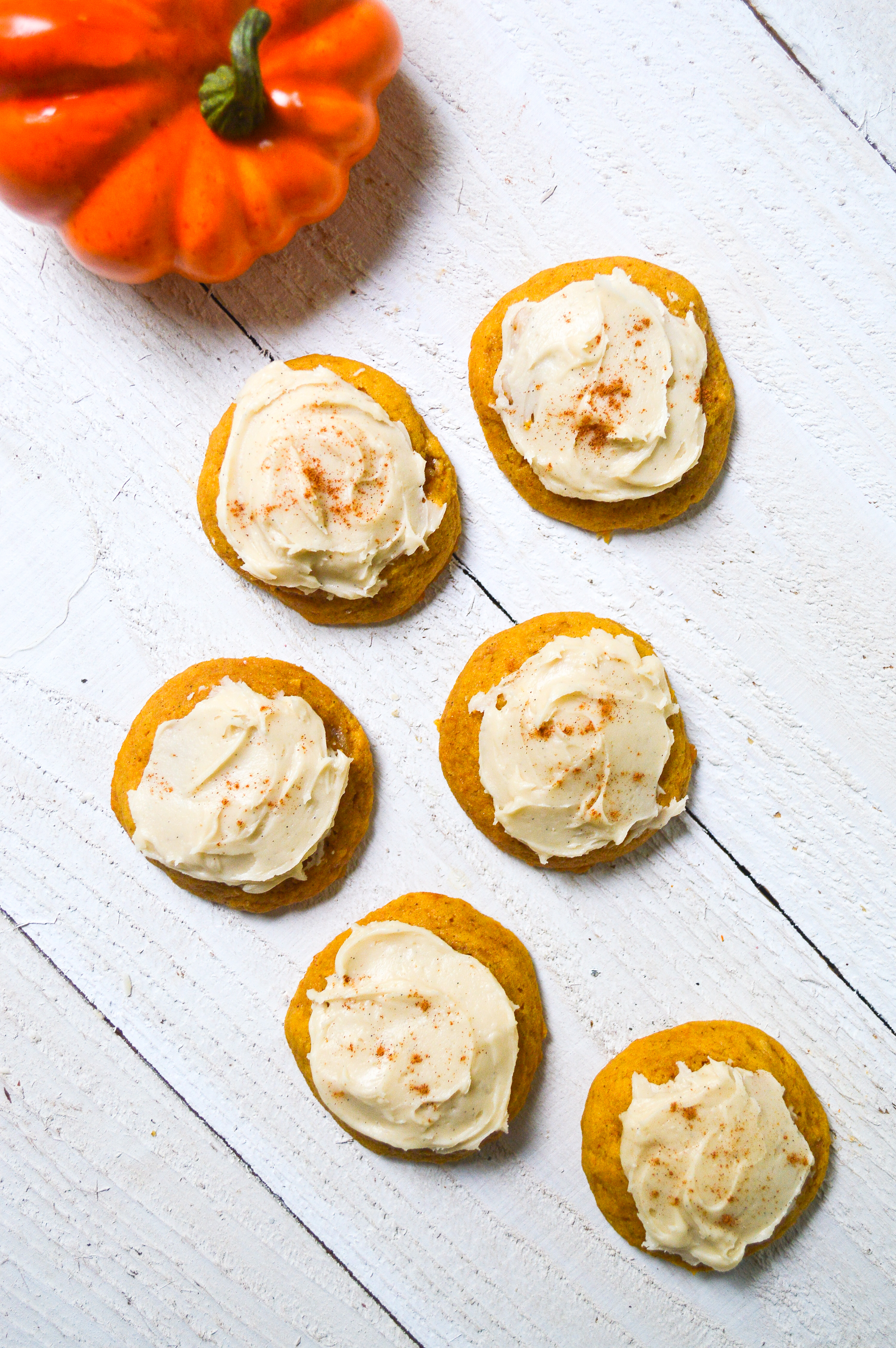 pumpkin-cookies-with-buttercream-frosting-14