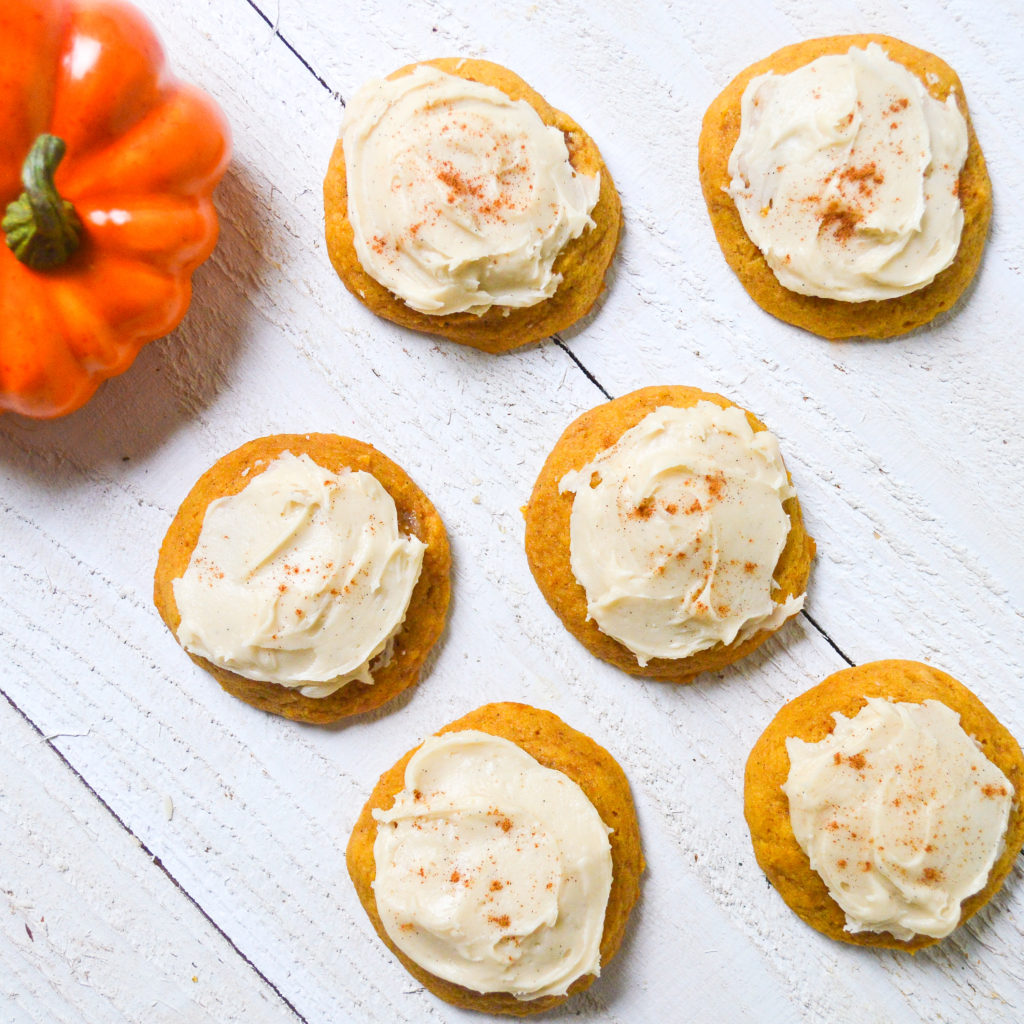 pumpkin-cookies-with-buttercream-frosting-15