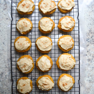 pumpkin-cookies-with-buttercream-frosting-13