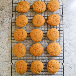 pumpkin-cookies-with-buttercream-frosting-9